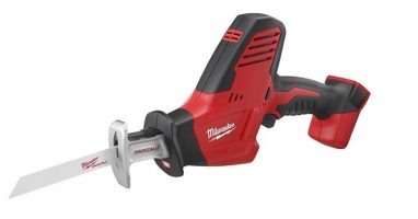 Milwaukee 2625 20 M18 18-Volt Hackzall Reciprocating Saw Review