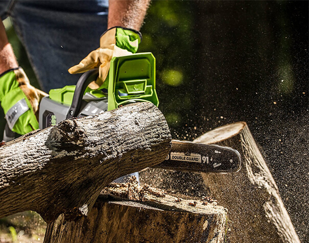 Best chainsaw chain in 2018 unbiased woodworkers guide long are gone the days that you could throw away or return your chainsaw to the manufacturer just because of a dull or broken chain greentooth Images