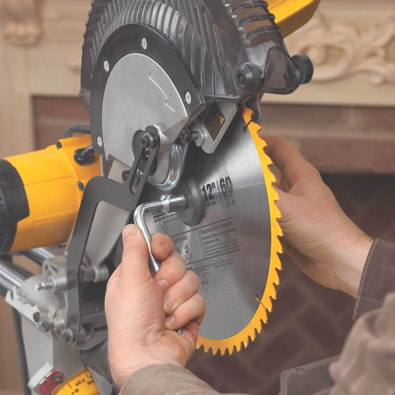 dewalt-dws780-miter-saw-07