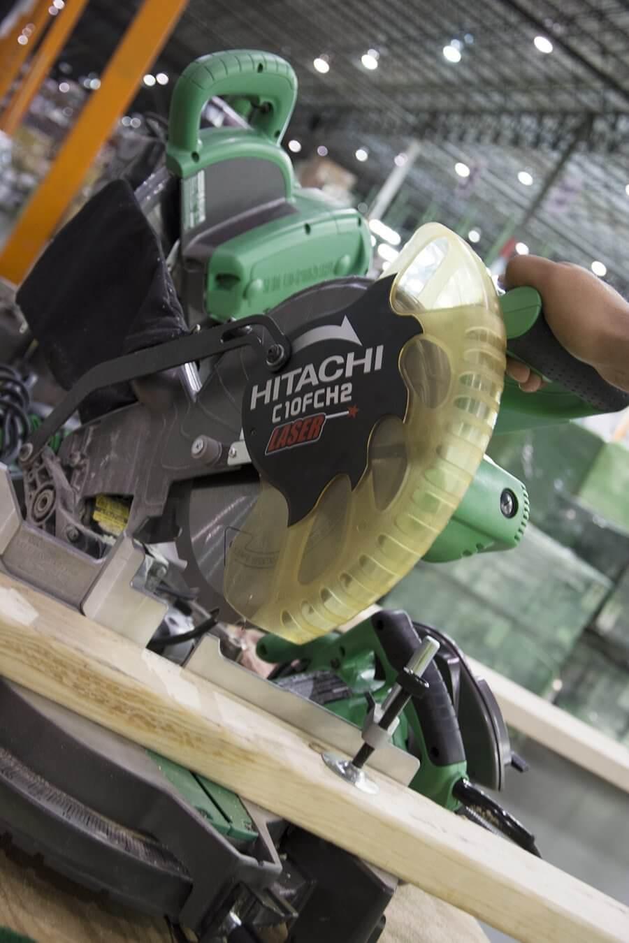 hitachi-c10fch2-miter-saw-07
